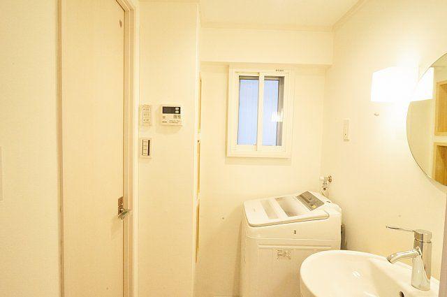 601:左の扉を開くとシャワールーム