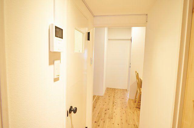 601:ランドリーの隣のトイレ入口