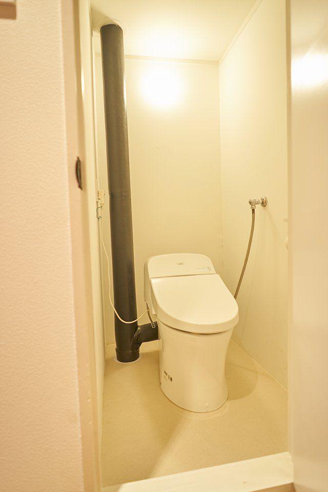 601:トイレはTOTOウォシュレット。もちろん温水洗浄便座です。