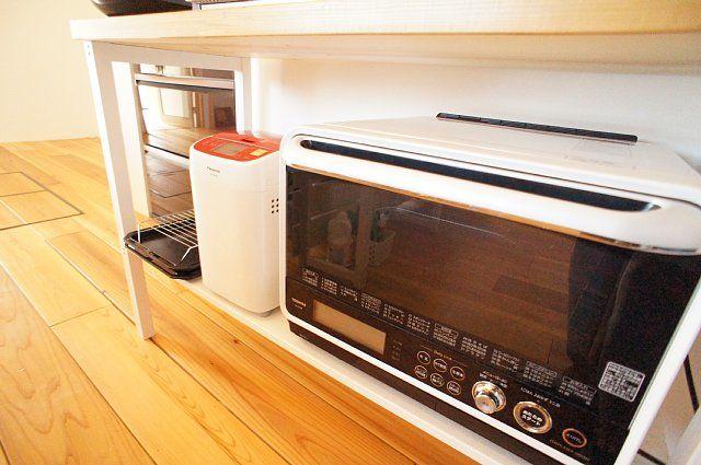 下段にホームベーカリーと石窯オーブンレンジ