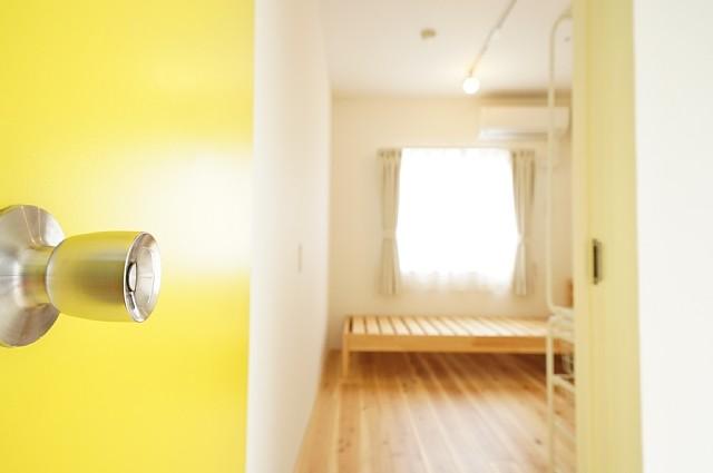 14号室:居室ドアを開けた様子